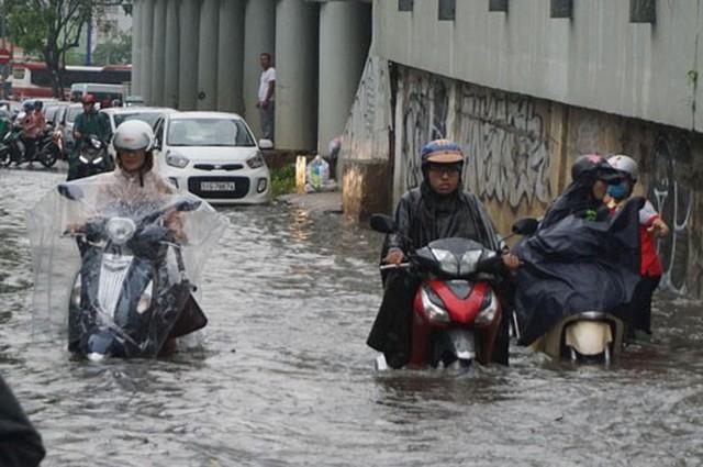 Giải cứu toàn diện rốn ngập Nguyễn Hữu Cảnh