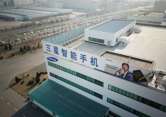 Chuyện gì xảy ra với những công nhân tại nhà máy smartphone cuối cùng của Samsung ở Trung Quốc? - Ảnh 1.