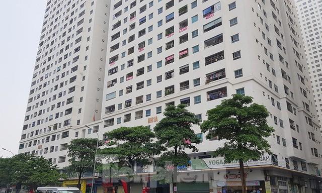 'Làn sóng' băng rôn đòi sổ hồng ở chung cư HH Linh Đàm - Ảnh 1.
