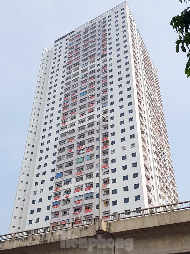 'Làn sóng' băng rôn đòi sổ hồng ở chung cư HH Linh Đàm - Ảnh 10.