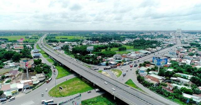 Bất động sản vùng đô thị TP.HCM mở rộng: Lộ diện những điểm nóng hút dòng tiền đầu tư - Ảnh 2.