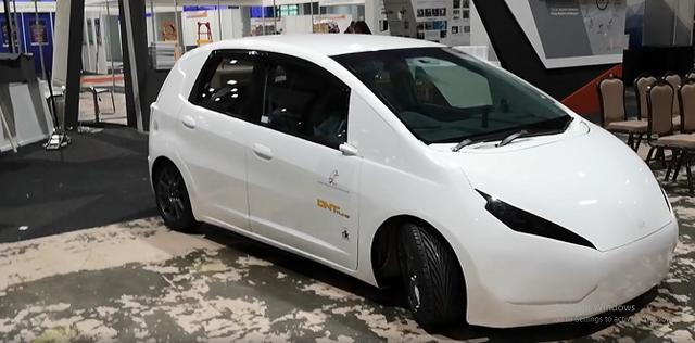 Xe điện chạy từ dầu ăn phế thải của Malaysia gây sốt - Ảnh 1.