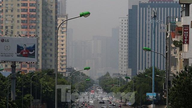Hà Nội lại chìm trong ô nhiễm, khuyến cáo người dân hạn chế ra đường - Ảnh 10.