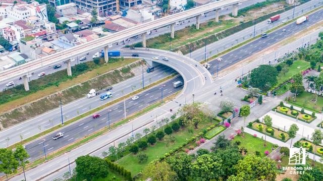 Cận cảnh dự án giao thông đang giúp mở rộng cửa ngõ phía Đông TP.HCM - Ảnh 2.