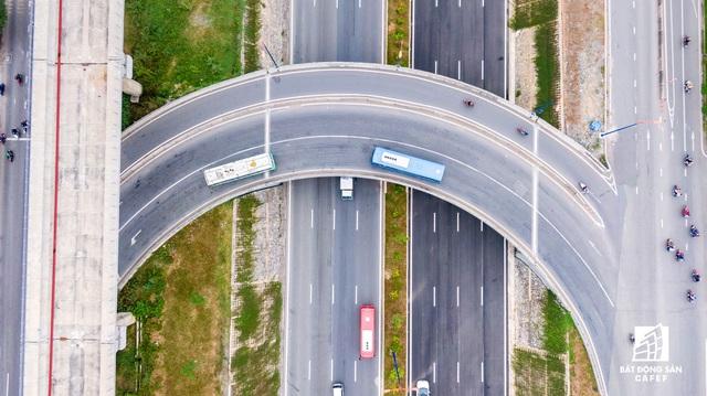 Cận cảnh dự án giao thông đang giúp mở rộng cửa ngõ phía Đông TP.HCM - Ảnh 6.