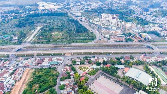 Toàn cảnh hạ tầng giao thông đồ sộ ở 4 cửa ngõ khu Đông Sài Gòn, nơi thị trường BĐS phát triển như vũ bão - Ảnh 2.  Toàn cảnh hạ tầng giao thông đồ sộ ở 4 cửa ngõ khu Đông Sài Gòn, nơi thị trường BĐS phát triển như vũ bão dji0391 1573542069691409301188