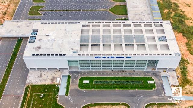 Cận cảnh dự án giao thông đang giúp mở rộng cửa ngõ phía Đông TP.HCM - Ảnh 4.