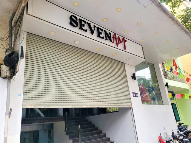 Sau bê bối cắt mác Trung Quốc gắn mác Việt, cửa hàng SEVEN.am Hà Nội đóng cửa im lìm - Ảnh 1.