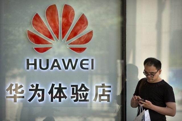 Huawei thưởng nhân viên 2 tỷ NDT trước tác động lệnh cấm của Mỹ - Ảnh 1.
