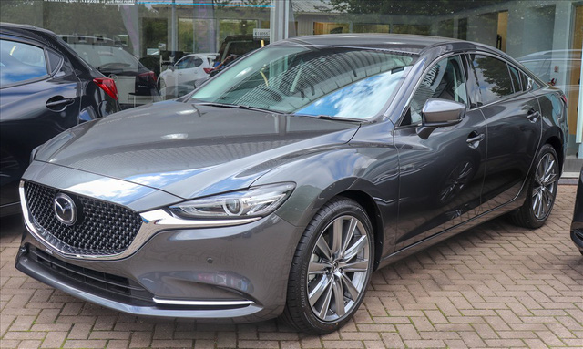 Điểm danh các mẫu sedan cũ cực chất trong tầm giá 600 triệu đồng - Ảnh 5.