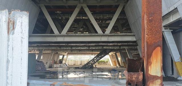 Cận cảnh tòa nhà triển lãm 800 tỷ xây dựng dang dở ở Thủ Thiêm - Ảnh 5.