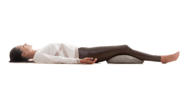 Không phải ngẫu nhiên mà 7 tư thế yoga này lại phổ biến đến độ ai mới tập cũng biết: Tập đơn giản mà hiệu quả lại không ngờ! - Ảnh 7.