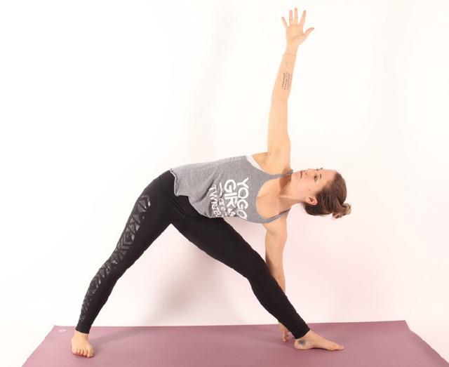 Không phải ngẫu nhiên mà 7 tư thế yoga này lại phổ biến đến độ ai mới tập cũng biết: Tập đơn giản mà hiệu quả lại không ngờ! - Ảnh 5.