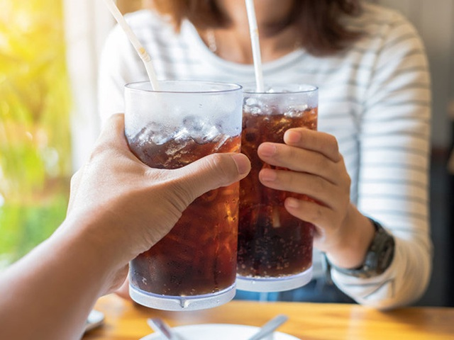 Luôn cảm thấy thèm ăn cả thế giới: Đừng chủ quan bởi cơ thể bạn đang cố báo động các vấn đề sức khỏe nghiêm trọng - Ảnh 3.