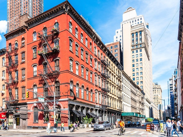 Choáng với mức độ đắt đỏ tại New York: Chi phí thiết yếu 4.277 USD/tháng/người - Ảnh 8.