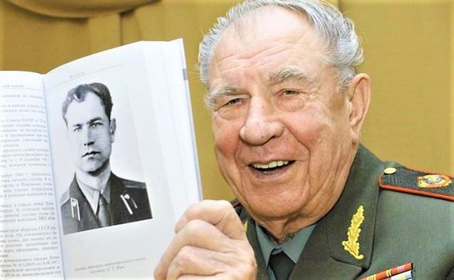 Vị nguyên soái Liên Xô cuối cùng được ông Putin tặng đồng hồ là ai? - Ảnh 2.