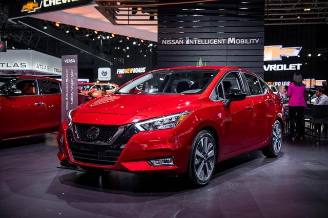 """Danh sách các mẫu sedan """"hấp dẫn"""" trong tầm giá 300 triệu đồng - Ảnh 2."""