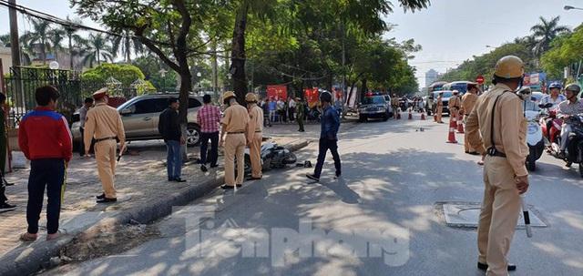 Xe ô tô điên tông hàng loạt người bị thương ở Hải Phòng - Ảnh 3.