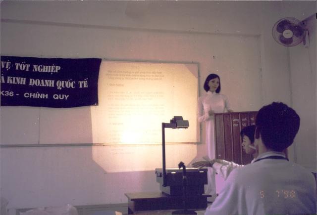 3 người thầy làm thay đổi cuộc đời Vũ Cẩm Nhung: Từ bước ngoặt trở thành siêu mẫu tới con đường trở thành doanh nhân  - Ảnh 3.