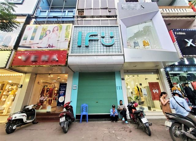 IFU đóng loạt cửa hàng giữa tâm bão âm thầm tráo nhãn mác quần áo - Ảnh 1.