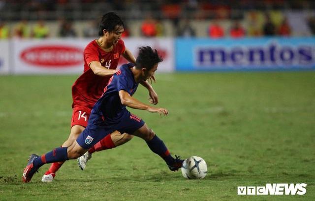 Trọng tài từ chối bàn thắng, tuyển Việt Nam bị Thái Lan cầm hoà - Ảnh 1.