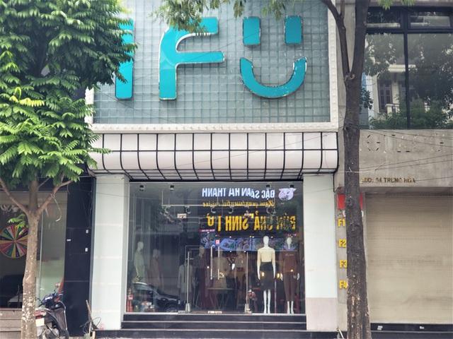 IFU đóng loạt cửa hàng giữa tâm bão âm thầm tráo nhãn mác quần áo - Ảnh 9.