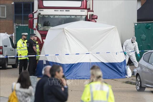 Vụ 39 thi thể trong xe tải ở Anh: Truy tố một tài xế người Bắc Ireland - Ảnh 1.