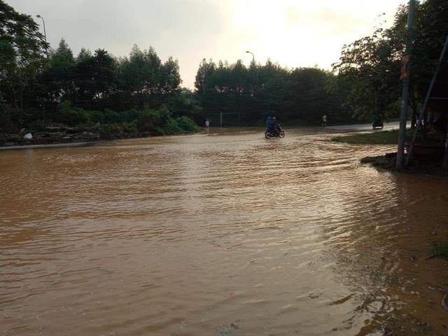 Đường ống nước sạch sông Đà lại vỡ, Viwasupco ngừng cấp nước tối nay  - Ảnh 5.