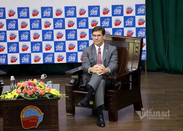 Bộ trưởng Quốc phòng Mỹ dẫn chuyện Hai Bà Trưng, ngưỡng mộ tinh thần tự cường Việt Nam - Ảnh 4.