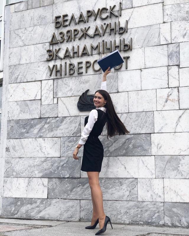 Nhan sắc đỉnh cao của nữ nghị sĩ trẻ nhất quốc hội Belarus: Từng lọt vào top 5 Miss World 2018, đã đẹp lại có thành tích học tập khủng! - Ảnh 1.