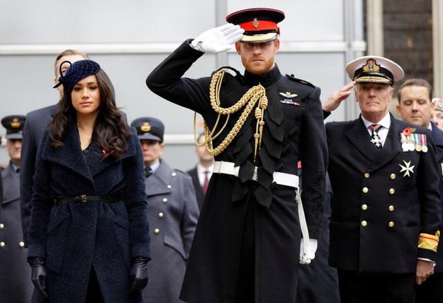 Dư luận nghi ngờ Meghan Markle đã đánh tiếng về việc cảm thấy hối hận khi kết hôn với Hoàng tử Harry, sự chia cách không còn xa - Ảnh 1.