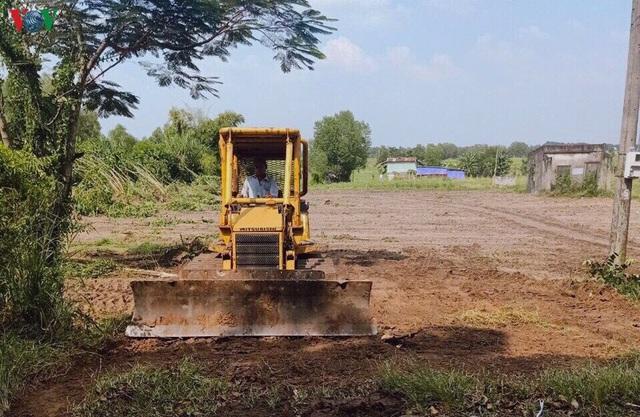 Cảnh báo nạn phân lô bán nền, đẩy giá đất ở phía Tây Bắc TP HCM - Ảnh 4.