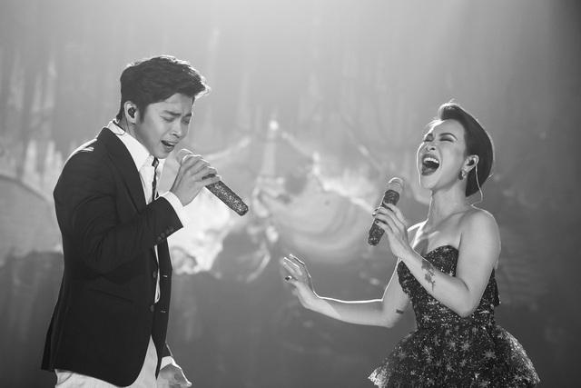 """Uyên Linh: """"Sau 10 năm đi hát, tôi tự hào vì mình chỉ sống bằng mỗi việc cầm mic"""" - Ảnh 8."""