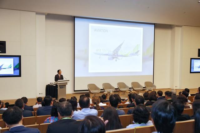 Chủ tịch FLC đánh cồng mở màn phiên giao dịch 20 năm thành lập Sàn Chứng khoán Singapore, hẹn khởi động lại việc niêm yết FLC tại Singapore năm 2020 hoặc 2021 - Ảnh 1.