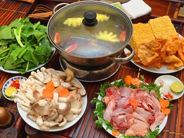 Ăn lẩu vào ngày lạnh nên tránh nhúng những loại rau này vì có thể sản sinh độc tố gây nguy hại cho sức khỏe - Ảnh 2.