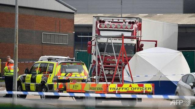 Cảnh sát Anh buộc tội thêm một người vụ 39 thi thể trong container - Ảnh 1.