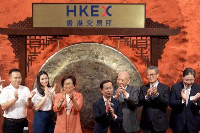 Mơ ước về quê của Jack Ma trở thành hiện thực, cổ phiếu Alibaba tăng vọt trong những giờ giao dịch đầu tiên tại Hồng Kông - Ảnh 1.