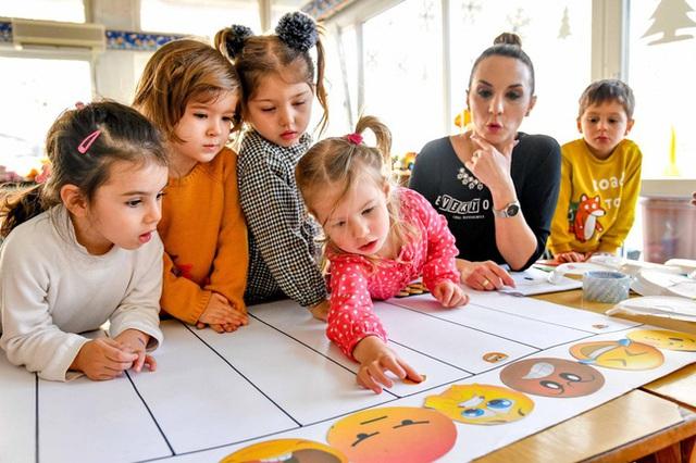 6 bài học người Do Thái dạy con, cha mẹ nào cũng nên học hỏi - Ảnh 1.