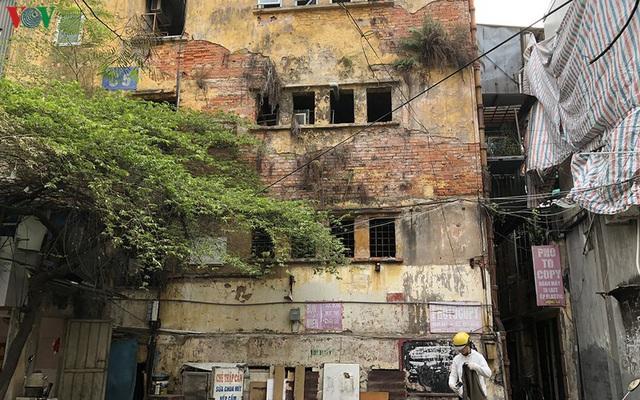 Cần có cơ chế đặc thù để cải tạo chung cư cũ tại Hà Nội - Ảnh 1.