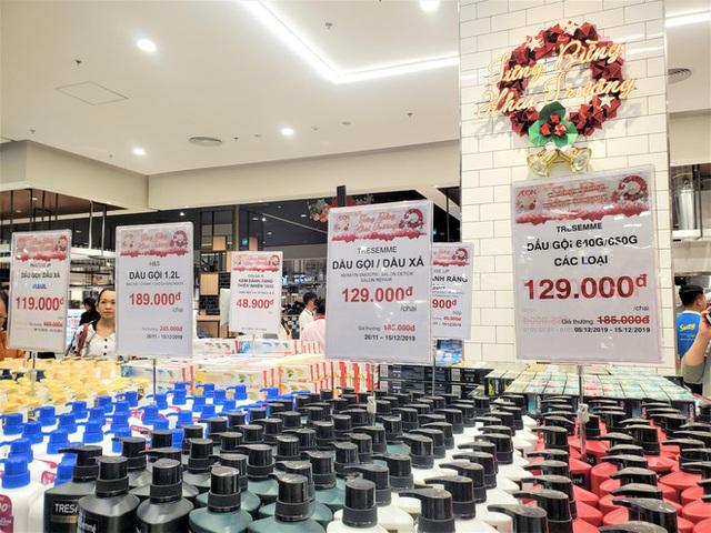 Khách tiu nghỉu vì đến Aeon Mall Hà Đông khai trương nhưng loạt cửa hàng vẫn đóng cửa - Ảnh 14.