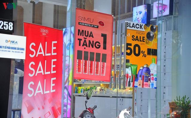 Giáp ngày Black Friday, các cửa hàng vẫn đìu hiu, ế ẩm - Ảnh 10.