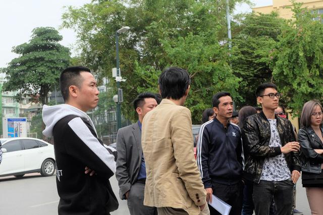 Bị lật kèo, khách hàng Cocobay Đà Nẵng ùn ùn kéo đến trụ sở Thành Đô đòi quyền lợi - Ảnh 10.