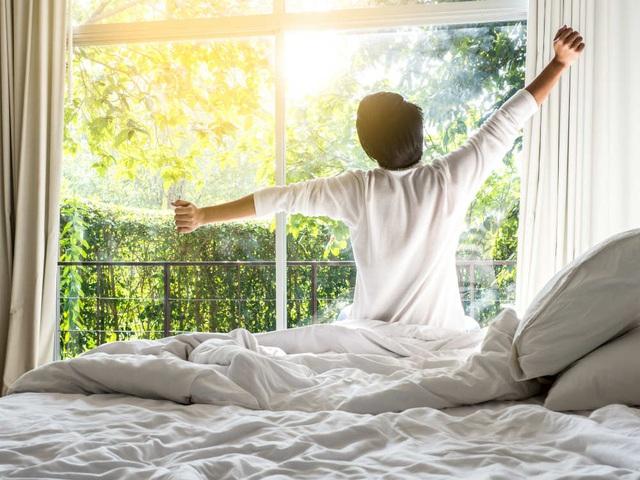 Ra khỏi giường vào lúc 6h sáng để tập chạy là chuyện không tưởng, trừ khi bạn thực hiện được chuỗi thói quen này trước đó! - Ảnh 1.
