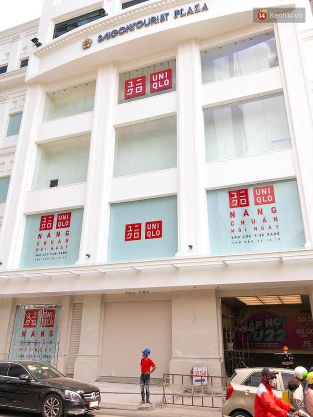 HOT: Store Uniqlo Việt Nam chính thức tháo bỏ phông bạt, hé lộ không gian ấn tượng bên trong do KTS Võ Trọng Nghĩa thiết kế - Ảnh 2.