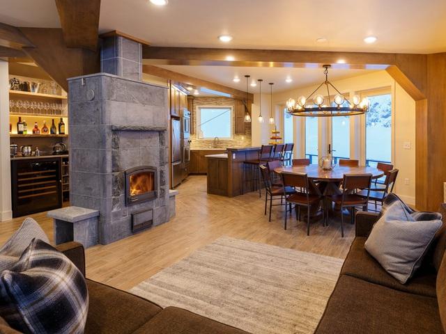 25.000 USD/đêm nghỉ trong nhà gỗ xa xỉ bên vách núi tuyết - Ảnh 16.