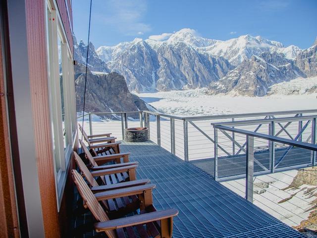 25.000 USD/đêm nghỉ trong nhà gỗ xa xỉ bên vách núi tuyết - Ảnh 19.