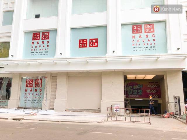 HOT: Store Uniqlo Việt Nam chính thức tháo bỏ phông bạt, hé lộ không gian ấn tượng bên trong do KTS Võ Trọng Nghĩa thiết kế - Ảnh 3.