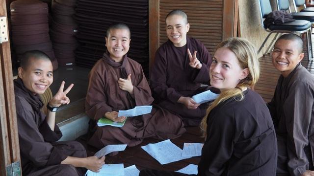 Mất 1 tuần tu tập tại làng Mai của thiền sư Thích Nhất Hạnh, tôi mới ngộ ra chân lý: Hạnh phúc chỉ đến khi biến chánh niệm thành lối sống 24/7 - Ảnh 2.