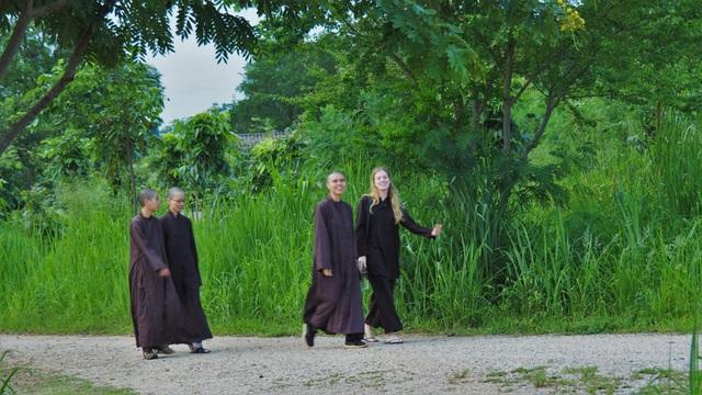 Mất 1 tuần tu tập tại làng Mai của thiền sư Thích Nhất Hạnh, tôi mới ngộ ra chân lý: Hạnh phúc chỉ đến khi biến chánh niệm thành lối sống 24/7 - Ảnh 4.