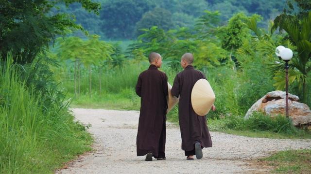 Mất 1 tuần tu tập tại làng Mai của thiền sư Thích Nhất Hạnh, tôi mới ngộ ra chân lý: Hạnh phúc chỉ đến khi biến chánh niệm thành lối sống 24/7 - Ảnh 1.